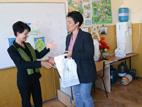 Дарение на книги за училищните библиотеки