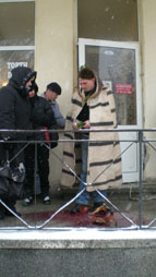 10.JPG - <p>Честване на празника Трифон Зарезан в село Кътина - 5 февруари 2012 година</p>