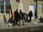 Поднасяне на венци на паметника на Васил Левски, 19-ти февруари 2012 г. село Вой