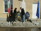 PICT1092.JPG - <p>Паметника на Васил Левски, 19-ти февруари 2012 г. село Войняговци</p>