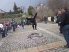 5 - Ритуалът по прескачане на огън събра десетки участници<br />със своята атрактивност