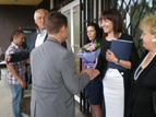 Даниела Райчева награждава абитуриенти от 170 СОУ, завършили с отличен успех