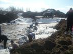 Доброто е заразно - акция за укрепване на дигата на река Искър
