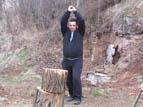 """12 - Един от най-дейните жители в район """"Нови Искър Благой Тошев<br />подкрепи и тази акция"""