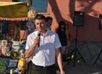 02.jpg - Кметът на село Негован дава начало на празничната програма